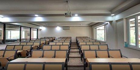 Delhi Law Academy Classroom Pic 3